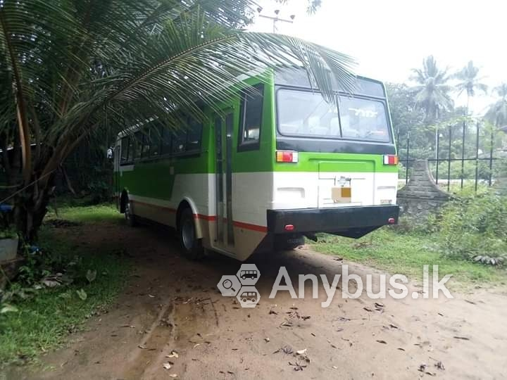 Office Transport from Udugampola to Narahenpita